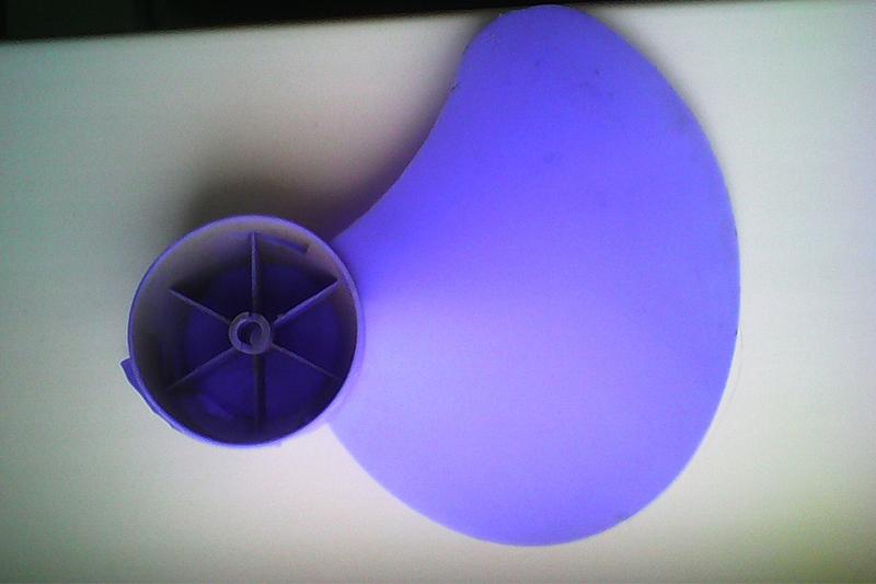 Поврежденный вентилятор наружного блока кондиционера